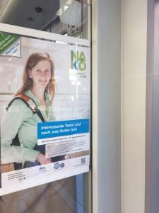 NAKO-Plakat in der Straßenbahn. Quelle: privat